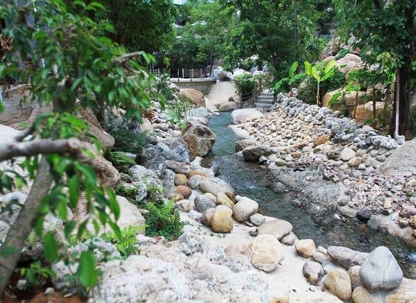 Kinh nghiệm du lịch suối khoáng nóng Núi Thần Tài: Địa điểm tham quan đẹp ở Núi Thần Tài