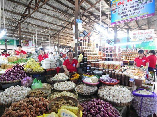 Review các khu chợ lớn, nổi tiếng nhất Đà Nẵng kèm địa chỉ. Nên đi chợ nào ở Đà Nẵng? Địa chỉ, đặc điểm các chợ lớn ở Đà nẵng.