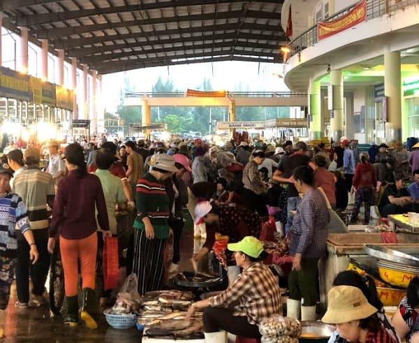 Địa chỉ mua hải sản ở Đà Nẵng giá rẻ: Mua hải sản ở đâu Đà Nẵng mang về làm quà?