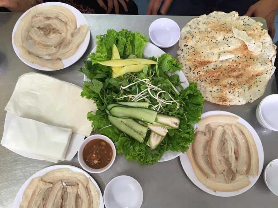 Review các quán bánh tráng cuốn thịt heo nổi tiếng ở Đà Nẵng. Du lịch Đà Nẵng nên ăn bánh tráng thịt heo ở đâu? ngon, bổ, rẻ...