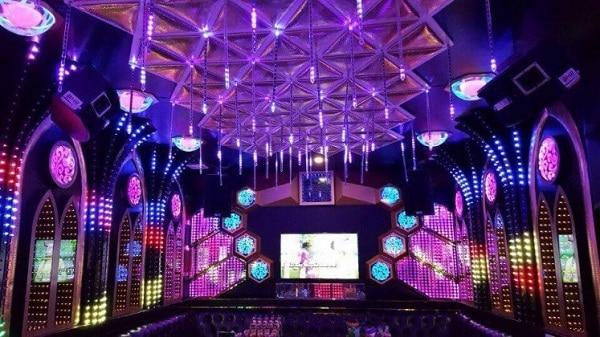 Quán karaoke Phượng Hồng - quán karaoke nổi tiếng Đà Nẵng