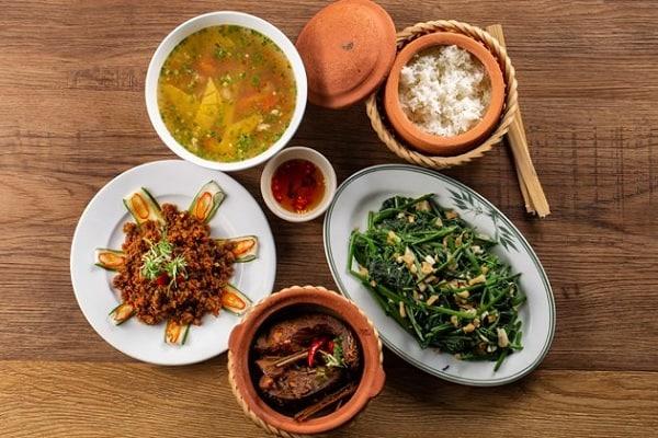 Cơm niêu nhà Đỏ Đà Nẵng/ quán cơm trưa ngon ở Đà Nẵng