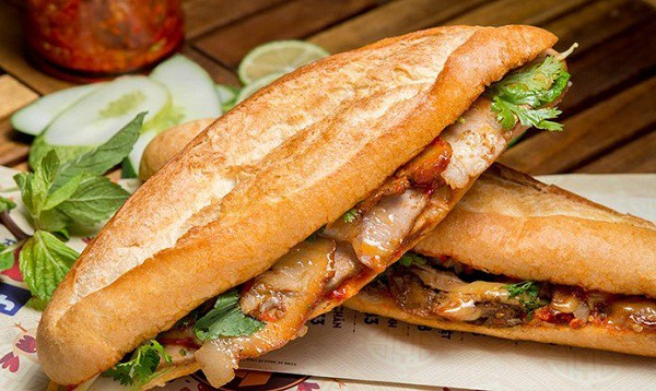 Bánh mì thịt heo quay 389 Trưng Nữ Vương – Đà Nẵng