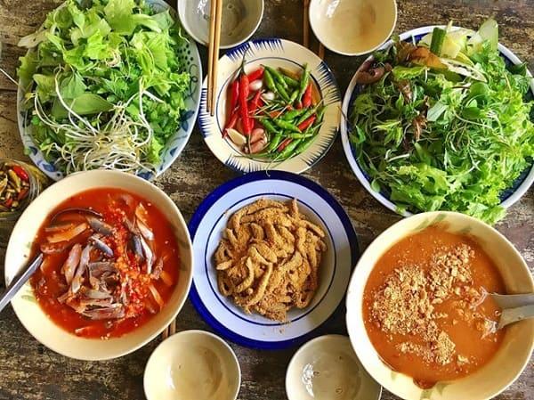 Quán Gỏi cá Bé Vân - quán gỏi cá Nam Ô đông khách ở Đà Nẵng
