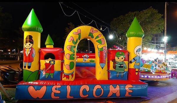 Khu vui chơi cho trẻ em ở chợ đêm Sơn Trà Đà Nẵng. Review chợ đêm Sơn Trà Đà Nẵng chi tiết