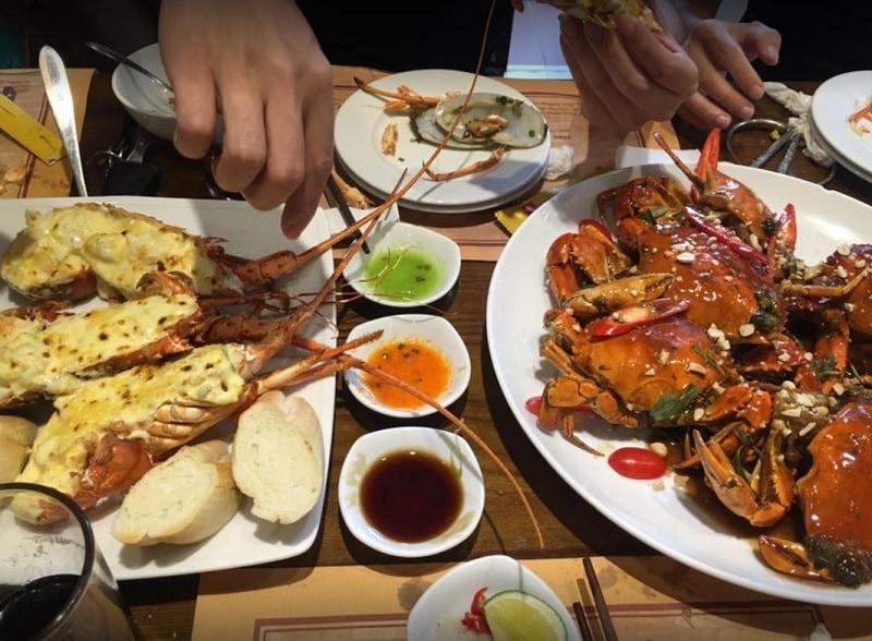 Quán ăn ngon Hà Đông. Quán ăn ngon ở Hà Đông buổi tối. Hải sản Mỹ Hạnh