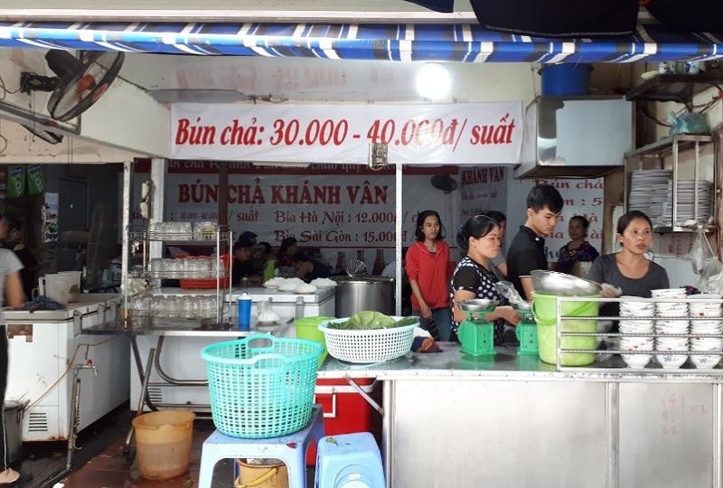 Quán ăn ngon Hà Đông. Quán ăn ngon ở Hà Đông buổi trưa. Bún chả Khánh Vân