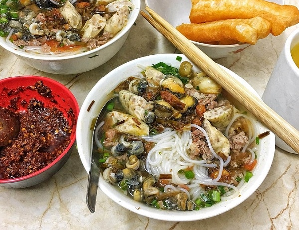 Địa chỉ ăn bún ốc ở Hà Nội ngon nhất, Bún ốc tóp mỡ Bạch Mai