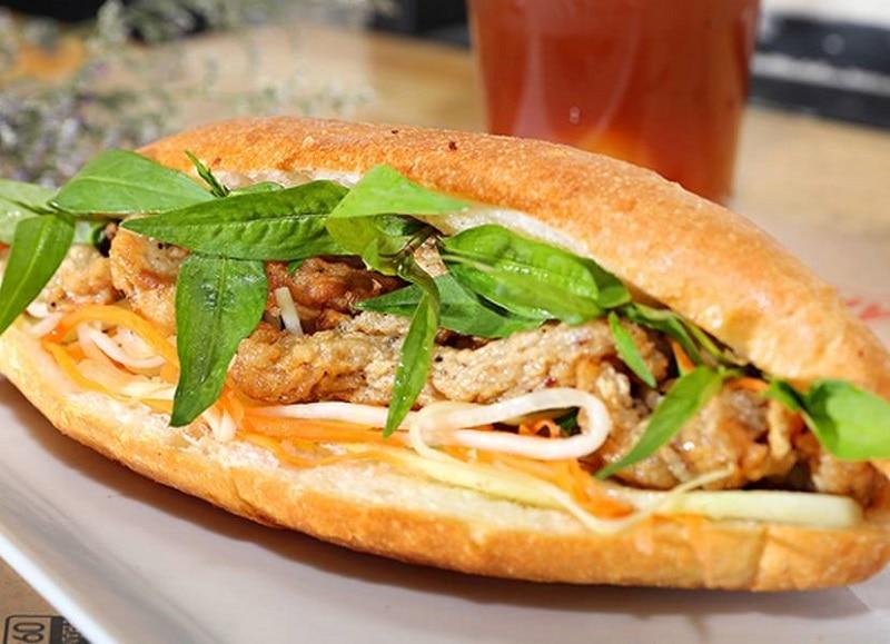 Cập nhật các quán bán mì Hà Nội ngon, nổi tiếng nhất gần đây. Nên đi ăn bánh mì ở đâu Hà Nội? Địa chỉ bán mì Hà Nội chuẩn vị, ngon