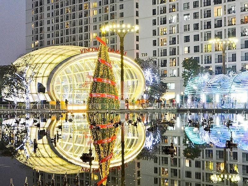 Giáng sinh ở Hà Nội nên đi đâu? Địa điểm du lịch đẹp dịp Noel ở Hà Nội. Trung tâm thương mại Times City