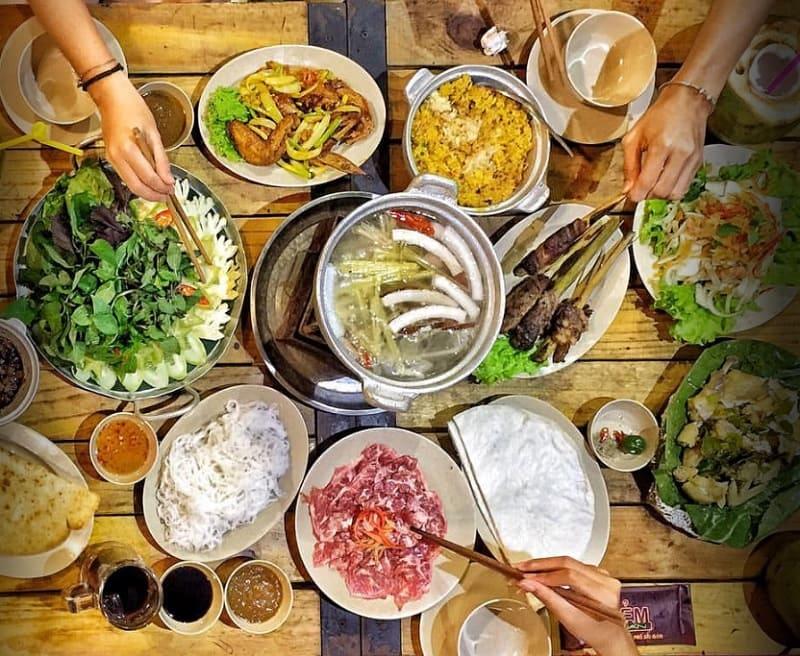 Các quán ăn ngon ở quận Đống Đa Hà Nội. Hẻm Quán - 68 Hoàng Cầu. Quán ăn ngon quận Đống Đa
