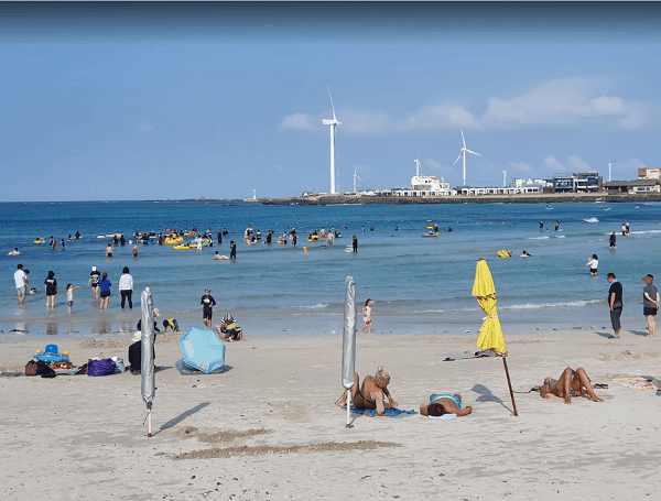 Địa điểm du lịch nổi tiếng ở Hàn Quốc. Nên đi đâu chơi, tham quan ở Hàn Quốc? Bãi biển Woljeongri