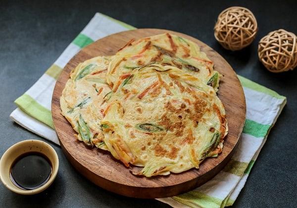 Đến Seoul nên ăn gì? bánh hành Hàn Quốc Pajeon
