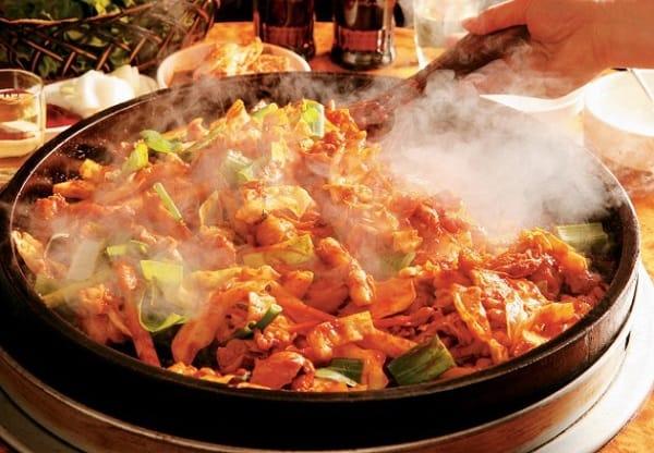 Du lịch Seoul nên ăn gì, Gà xào cay Dakgalbi