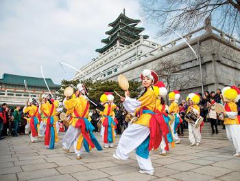 TOP 10 lễ hội ở Hàn Quốc nổi tiếng, đặc sắc: Lễ hội Chuseok hay còn gọi là Tết Trung Thu ở Hàn Quốc