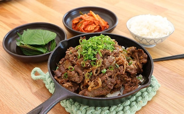 10 món ăn Hàn Quốc không cay ngon, nổi tiếng: Bulgogi là một trong những món ăn Hàn Quốc không cay nổi tiếng bạn nên thử