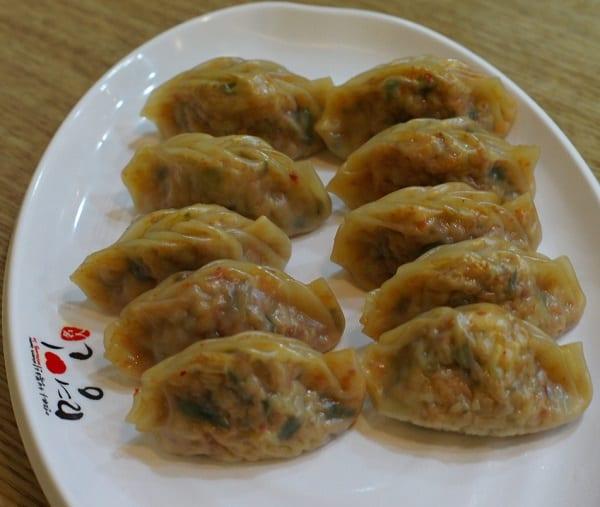 Ăn uống ở Hàn Quốc. Đặc sản màn thầu Mandu. Nên ăn gì khi du lịch Hàn Quốc?