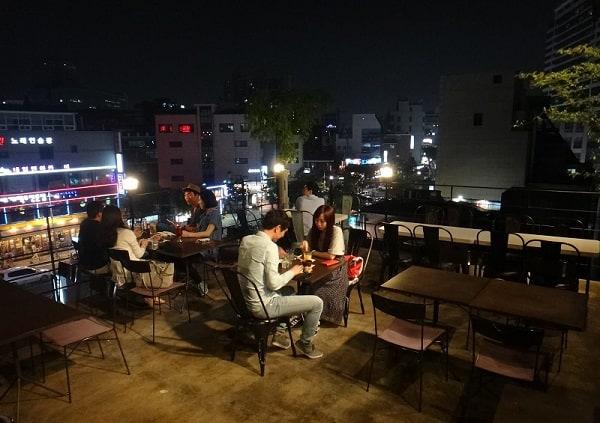 Buổi tối ở Seoul nên đi đâu? Ghé thăm một quán cafe ở Seoul