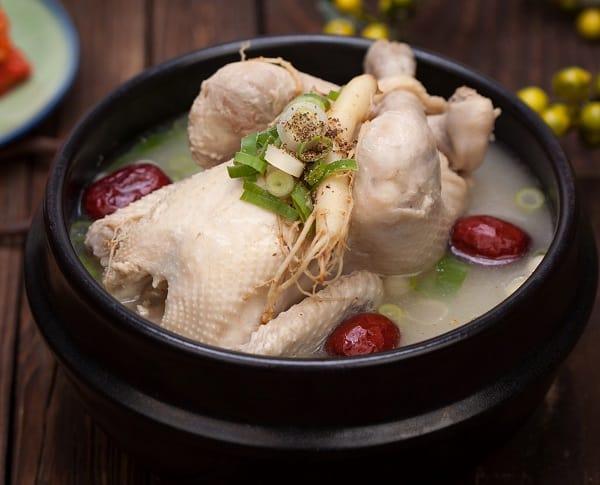 Món ăn đặc sản truyền thống Hàn Quốc. Nên ăn gì khi du lịch Hàn Quốc? Đặc sản gà tần sâm Samgyetang