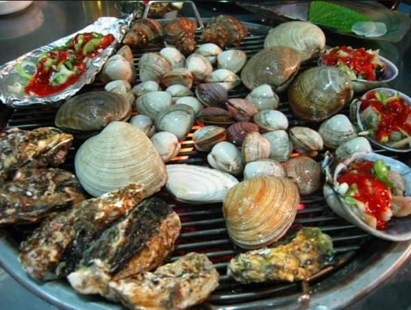 Món ăn vặt nổi tiếng ở Busan. Hải sản nướng Jogae Gui. Món ăn vặt ở Busan