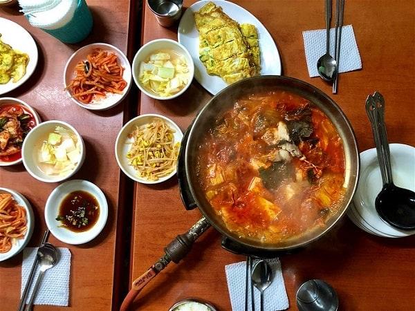 Quán ăn bình dân ở Myeong-dong