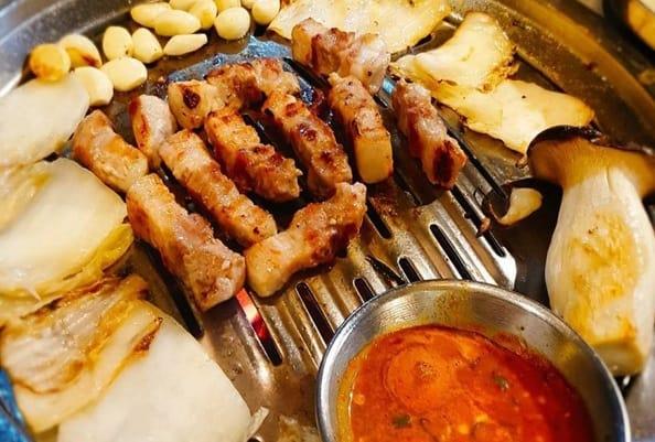 Du lịch Myeong-dong nên ăn gì, ở đâu?