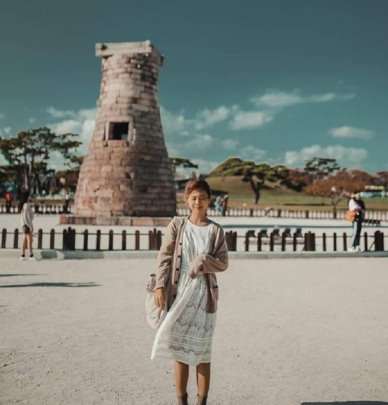 Du lịch Gyeongju Hàn Quốc nên đi đâu chơi? Tháp đá Cheomseongdae. Địa điểm tham quan độc đáo ở Gyeongju