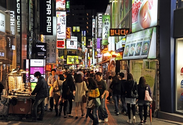 Chợ Myeongdong. Khu chợ đêm ở Seoul, Hàn Quốc sôi động nhất