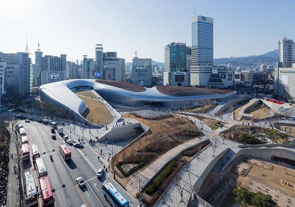 Toàn cảnh không gian Dongdaemun Design Plaza, có gì ở dongdaemun Design Plaza
