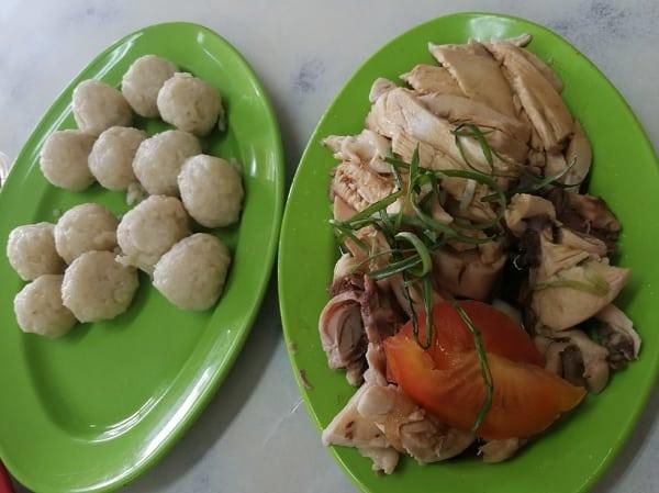 Đến Malacca Malaysia nên ăn gì? Món ăn truyền thống ở Malacca. Cơm gà Malacca
