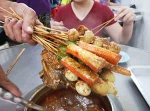 Đến Malacca Malaysia nên ăn gì? Những món ăn phổ biến ở Malacca. Satay Celup