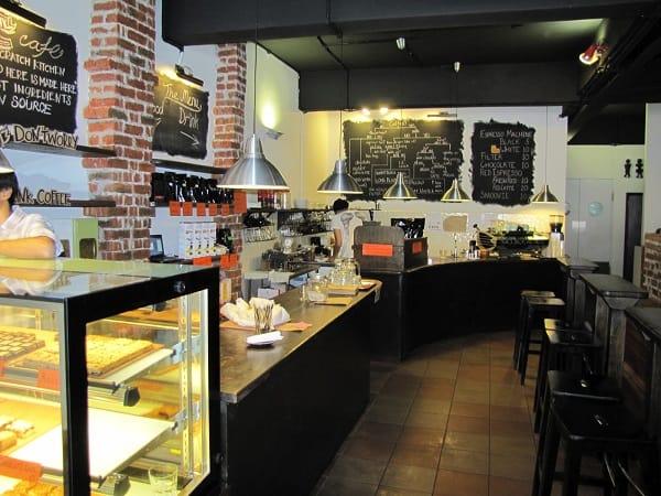Du lịch Malaysia nên ăn sáng ở đâu? Hãy note lại địa chỉ của quán Artisan Roast Coffee này nhé