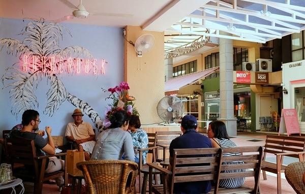 Rubberduck - cửa hàng ăn sáng ở Malaysia ngon, vui vẻ, sôi động