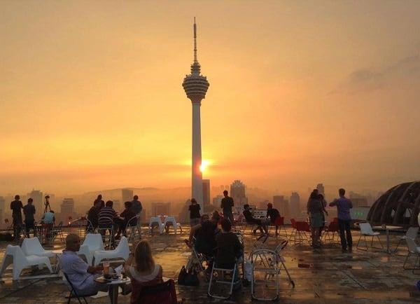 Địa điểm chụp ảnh đẹp ở Kuala Lumpur, tháp Menara KL