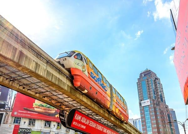 Địa chỉ chụp hình đẹp ở Kuala lumpur, chụp với tàu Monorail