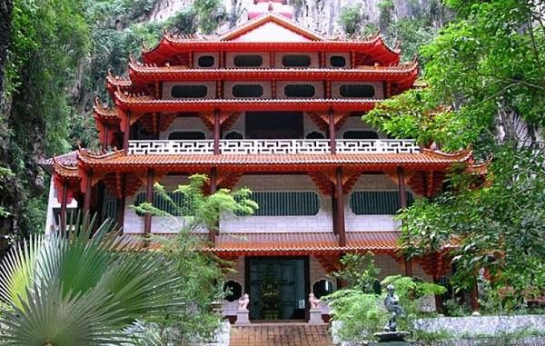 Đền Sam Poh Tong - địa điểm tham quan ở Ipoh Malaysia nổi tiếng lâu đời