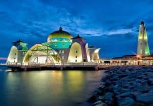 Du lịch Malacca Malaysia nên chơi ở đâu. Địa điểm tham quan nổi tiếng ở Malacca. Nhà thờ Hồi giáo Masjid Selat