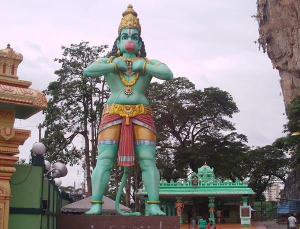 Kinh nghiệm đi động Batu Caves, bức tượng thần Hindu Hanuman