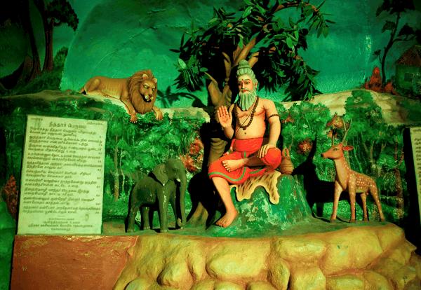 Kinh nghiệm khám phá Batu Caves, tham quan động Cave Villa