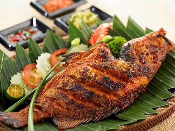 Món ăn ngon ở Kuala Lumpur, cá hướng Ikan bakar