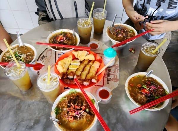 Du lịch Penang ăn gì, ăn ở đâu ngon, bổ, rẻ? QuánAir Itam Asam Laksa. Quán ăn ở Penang Malaysia ngon, giá rẻ