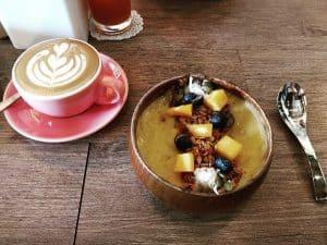 Quán cà phê đông khách ở Malacca. Quán NAVY Cafe. Quán cafe ở Malacca