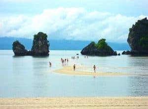 Địa điểm tham quan đẹp ở Langkawi. Biển Tanjung Rhu. Du lịch Langkawi 3 ngày 2 đêm