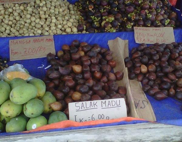 Địa điểm mua sắm ở Kuching Malaysia. Chợ Pasar Serikin. Địa điểm mua sắm giá bình dân ở Kuching