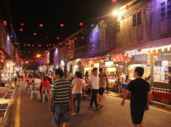 Địa điểm mua sắm ở Kuching Malaysia. nên mua sắm ở đâu khi du lịch Kuching? Chợ đêm phố cổ Siniawan