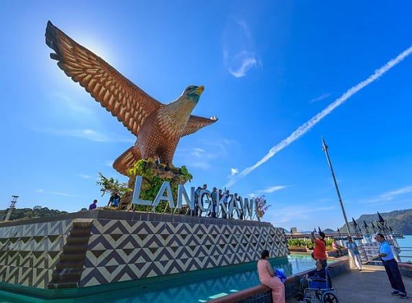 Hướng dẫn di chuyển từ Kuala Lumpur đến Langkawi Malaysia. Di chuyển bằng máy bay từ kuala Lumpur đến Langkawi