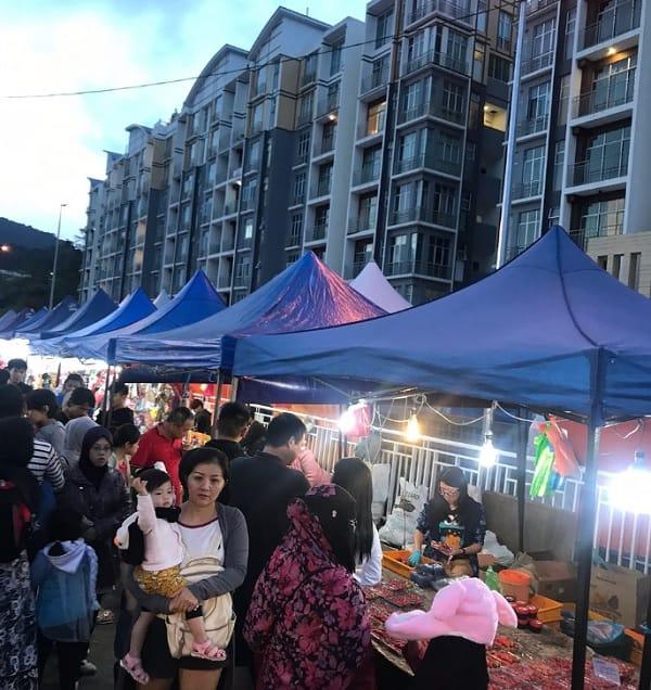 Du lịch Cameron Malaysia nên mua gì về làm quà? Địa chỉ mua quà ở Cameron. Chợ đêm truyền thống Brinchang Night Market