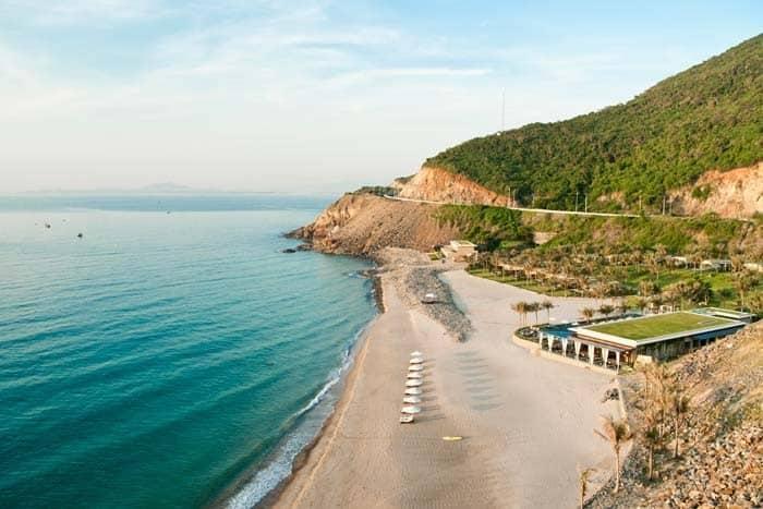 Những bãi biển đẹp nhất ở Nha Trang không thể bỏ qua. Du lịch Nha Trang nên tắm biển ở đâu? Bãi tắm đẹp ở Nha Trang nên tới