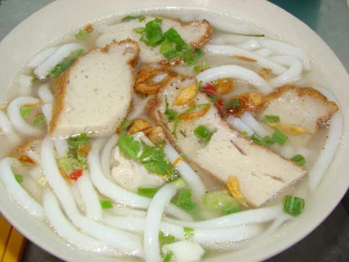 Các quán bánh canh chả cá Nha Trang ngon, rẻ. Địa chỉ quán bánh canh ngon ở Nha Trang. Tới Nha Trang nên ăn bánh canh ở đâu?