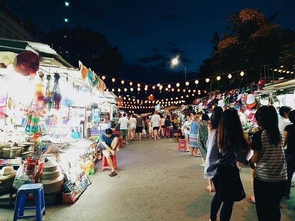 Một số kinh nghiệm đi chợ đêm Nha Trang